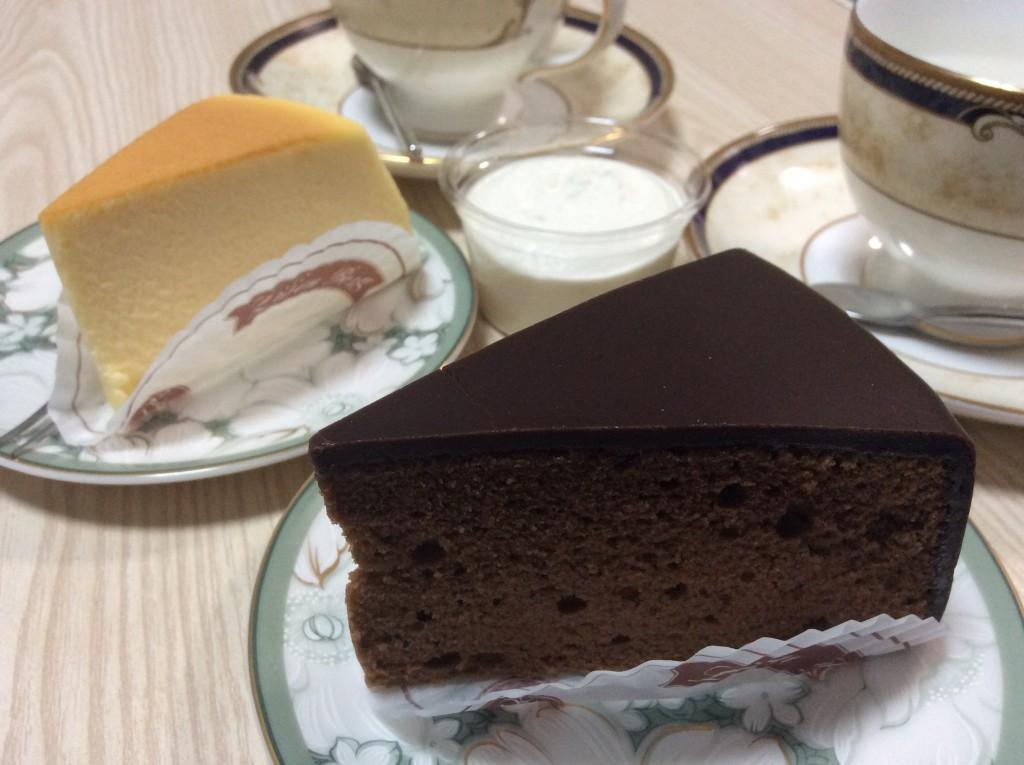 ザッハトルテとチーズケーキ