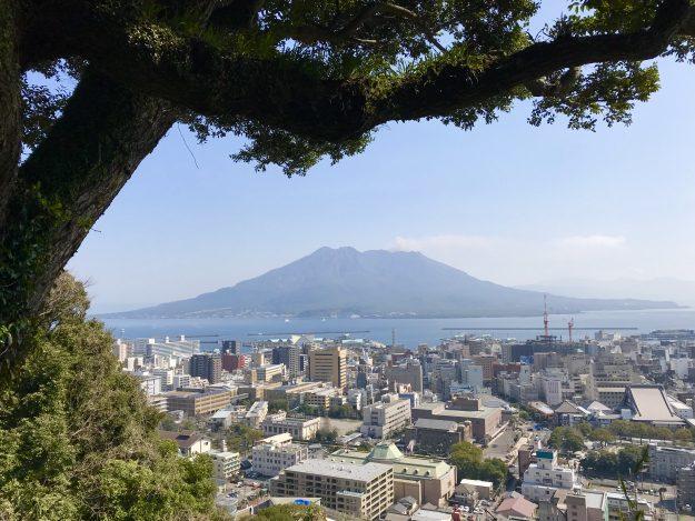 鹿児島城山公園から見た桜島